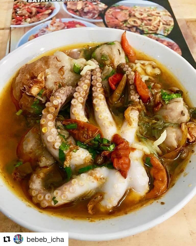 Mencicipi Lezatnya Bakso Lobster Dan Gurita Saat Berwisata Di Surabaya
