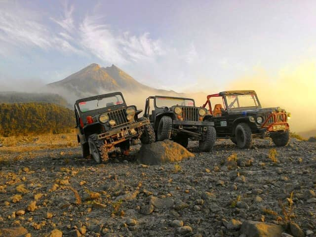 merapi lava tour jeep